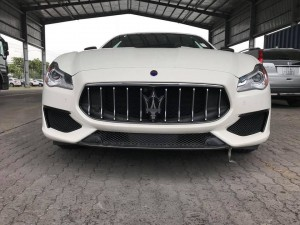 chi-8-ty-dong-co-ngay-maserati-quattroporte-s-q4-gransport-trong-tay-1